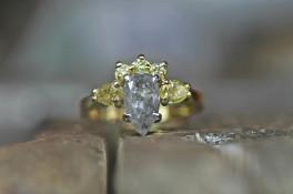 18ct gold salt & pepper pear shaped diamond ring