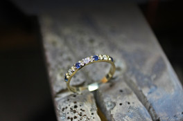 18ct gold diamond & sapphire eternity ring