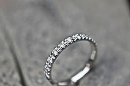 18ct white gold diamond ring & 18ct white/rose gold band