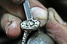 round brilliant cut diamond melee ring
