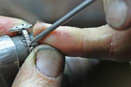 pear shaped halo diamond engagment ring
