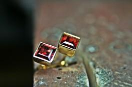 Square Garnet Gold Stud Earrings