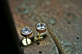 Gold Diamond studs Rubover Set