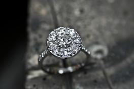 brilliant cut diamond cluster