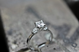 Crossover Princess cut & Pear shaped Diamond Ring