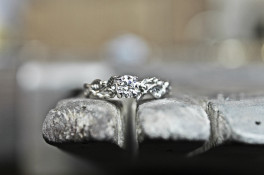 Leaf & Vine Diamond Solitaire