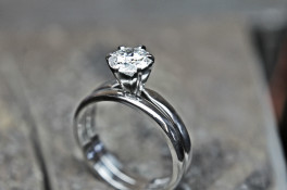 PLATINUM SIX CLAW DIAMOND SOLITAIRE