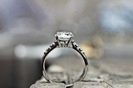 PLATINUM FOUR CLAW DIAMOND RING MICROS SET SHOULDERS