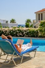 Top tips for holiday reading