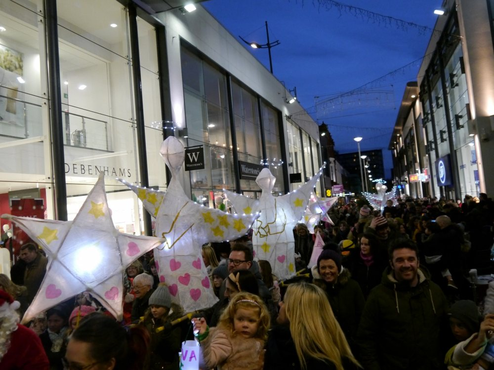 It's Christmaaas in Altrincham as Louise and Noddy switch on lights