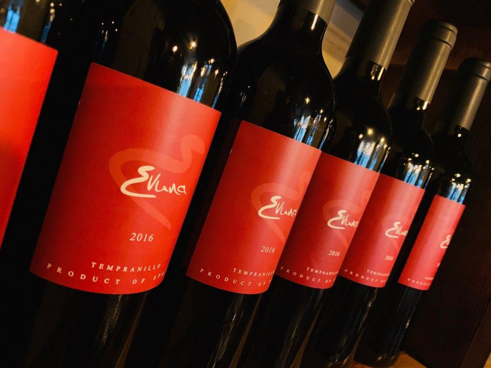 Evuna Wine Tasting