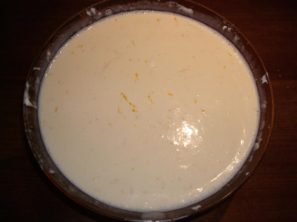 Añade la ralladura de limón