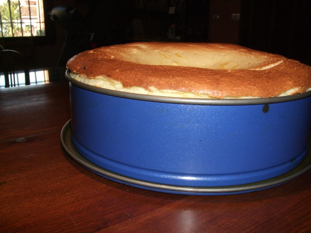 Tarta sobre el molde