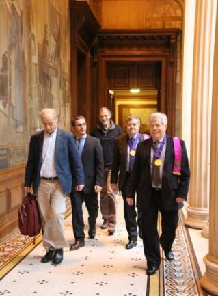 Les 3 conférenciers accompagnés du président et du secrétaire perpétuel de l'Académie