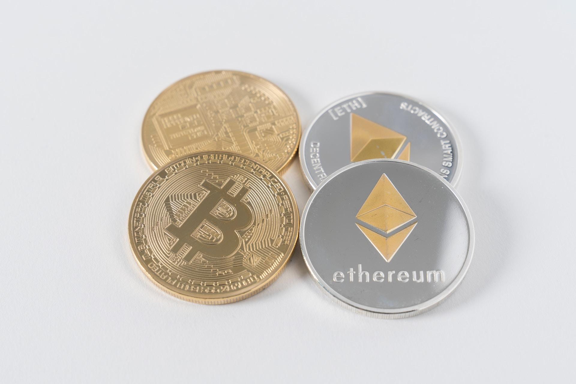 Bitcoin, Ethereum: coins based on blockchain.