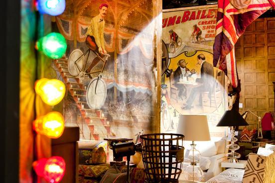 M&O Circus lights