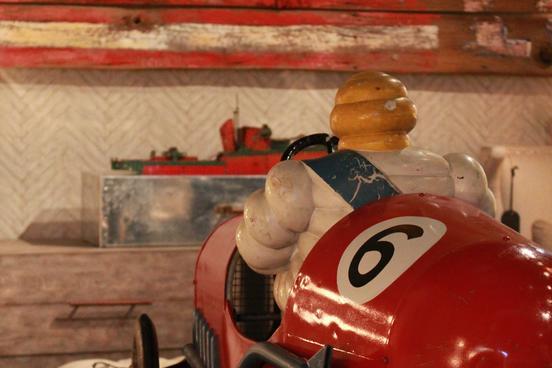 M&O Toy Car_2
