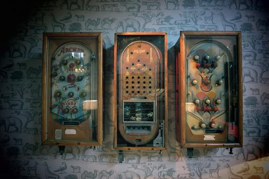 M&O Vintage Arcade