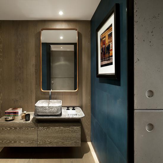 Tara_Bernerd_Apartment_on_The_Thames_II