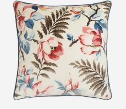 Magnolia_Multi_Cushion_ACC2584_