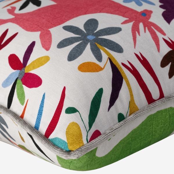tiki_tiki_cushion_detail