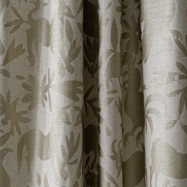 maya_gold_curtains