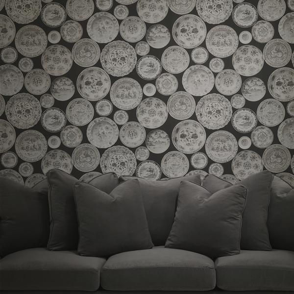 Cargo_Taupw_wallpaper_with_Bloombury_Sofa_in_Pelham_Storm_fabric