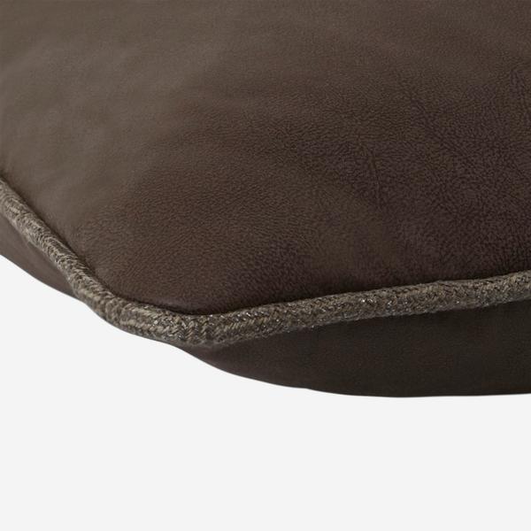 Carassi_Chocolate_Cushion_Detail_ACC2696_