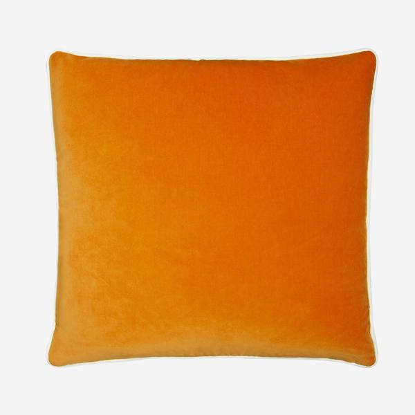 Pelham_Clementine_Cushion_with_Milk_Piping_ACC2753_