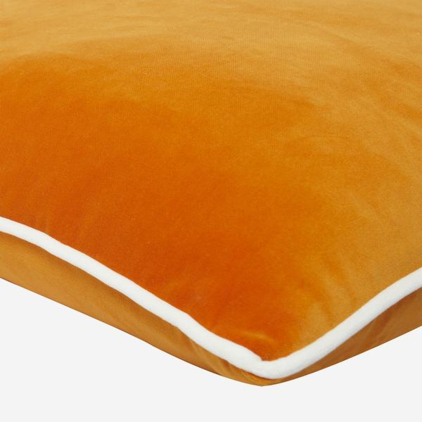Pelham_Clementine_Cushion_with_Milk_Piping_Detail_ACC2753_
