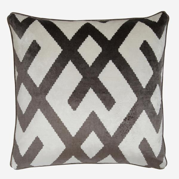 Fitzroy_Grey_Cushion_ACC2568_