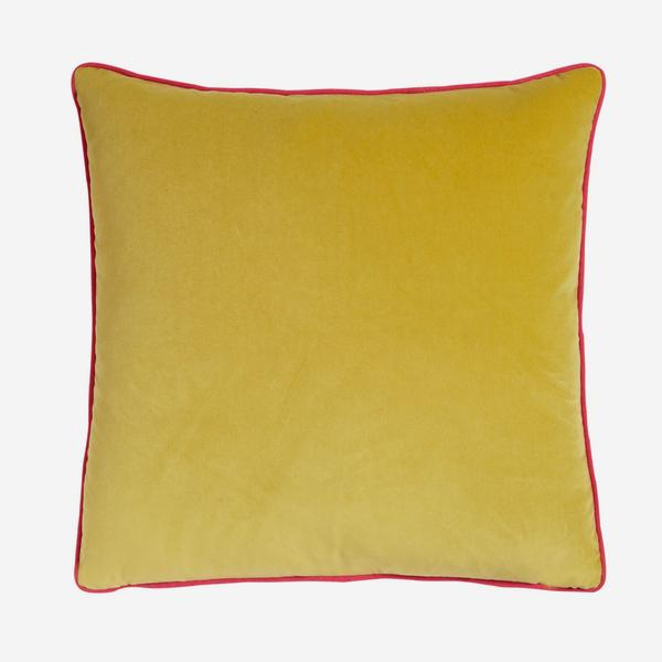 Pelham_pear_Cushion_with_Piedra_Pink_Piping_ACC2674_