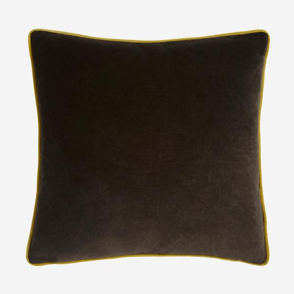Pelham_Chocolate_Cushion_with_Pear_Piping_ACC2637_
