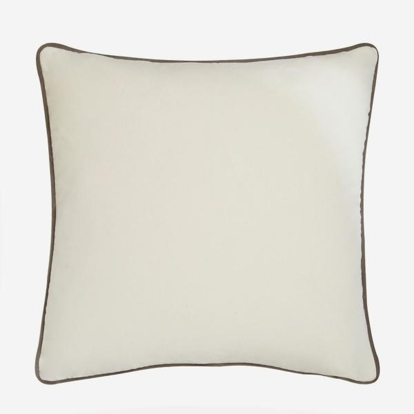 Pelham_Milk_Cushion_with_Slate_Piping_ACC2560_