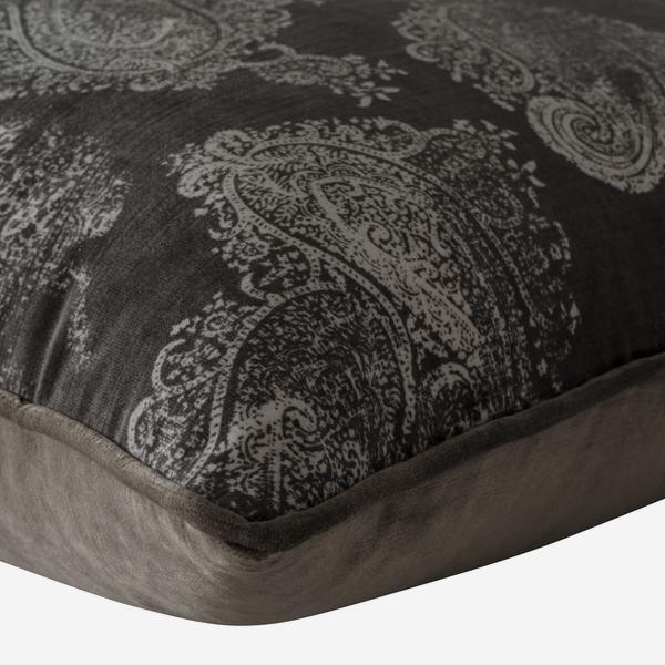 Barnsbury_Grey_Cushion_Detail_ACC2450_