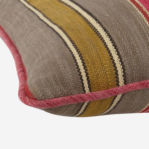 Santos_Pink_Cushion_Detail_ACC2666_