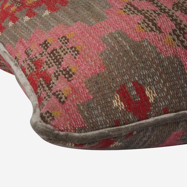 Orillo_Pink_Cushion_Detail_ACC2594_