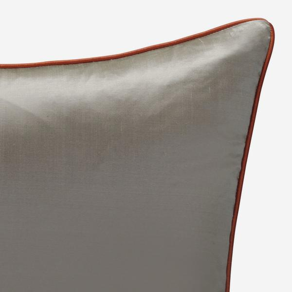 Markham_Silver_Cushion_with_Tangerine_Piping_ACC2737_