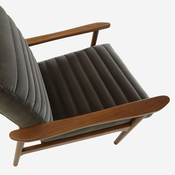 HuttonConcrete_chair_above