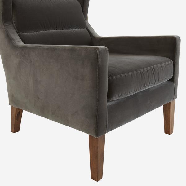 HalstonConcrete_chair_side_detail