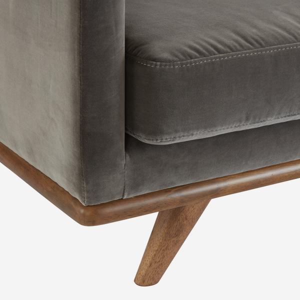 WestwoodConcrete_sofa_leg_detail