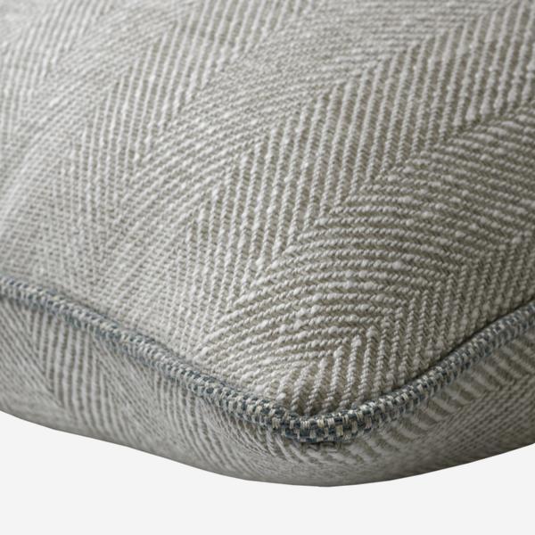 Summit_Linen_Cushion_Piping_Detail