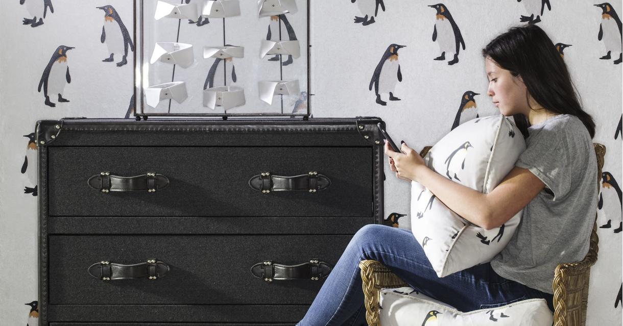 tux_mist_seat_cushion_emporer_frost_wallpaper_howard_mackenzie_chest_of_drawers_lifestyle