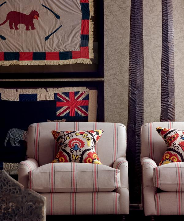 Traveller_Parchment_Wallpaper_Chairs_in_Newlyn_Red_Flint_fabric_Lifestyle