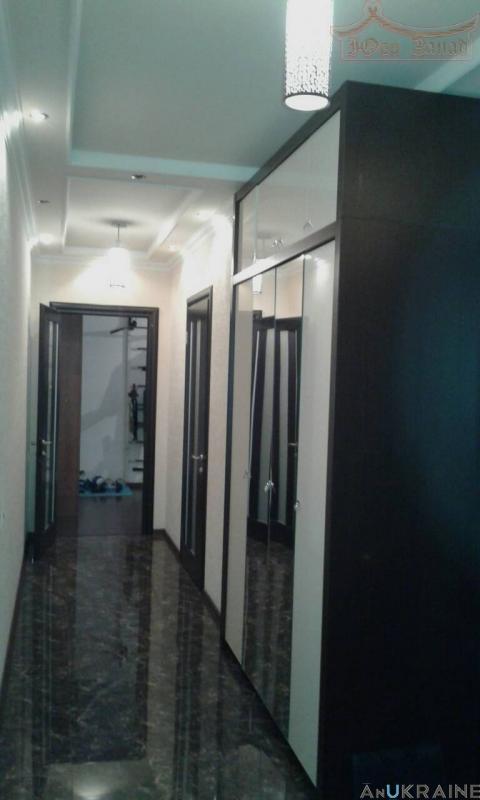 Продам трехкомнатную квартиру в ЖК Вернисаже | Агентство недвижимости Юго-Запад