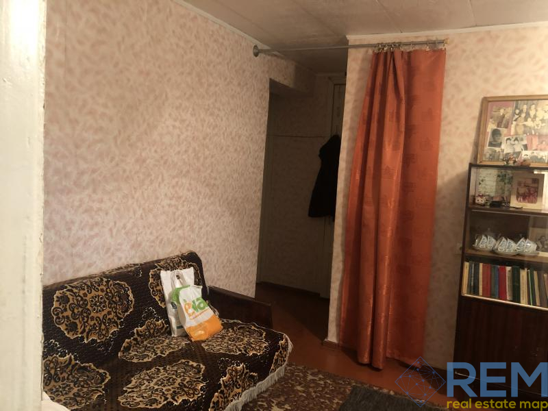 3-х комнатная в переулке Хуторском    Агентство недвижимости Юго-Запад