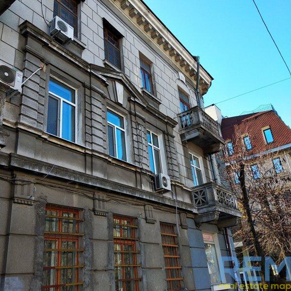 Фасадная квартира в центре | Агентство недвижимости Юго-Запад