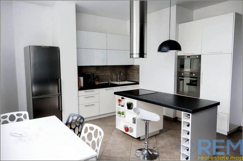 Продам квартиру с 3 спальнями в Приморском районе | Агентство недвижимости Юго-Запад