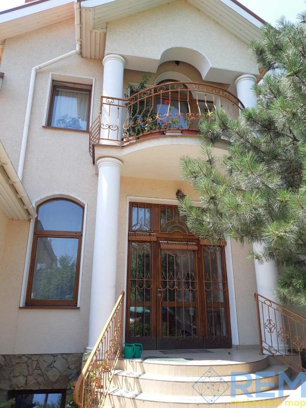 Красивый дом на  16 ст. Фонтана   Агентство недвижимости Юго-Запад