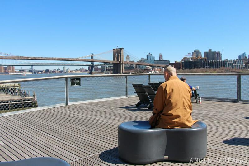 Timos Nueva York monjes budistas